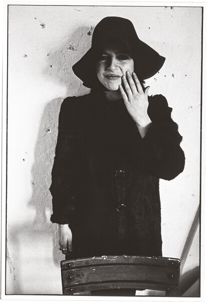 Artists — Eva Hesse - Hauser & Wirth