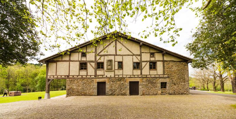 4.- Caserío de Zabalaga, siglo XVI. ©Zabalaga Leku. San Sebastián, VEGAP, 2019. Sucesion Chillida y Hauser & Wirth. Foto Mikel Chillida