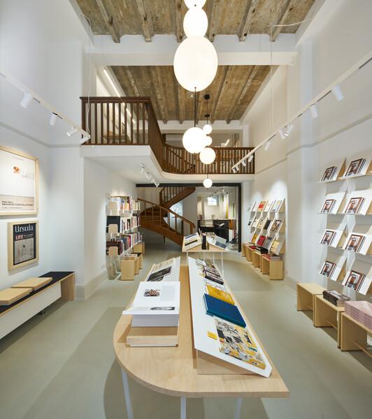 Bookshop01