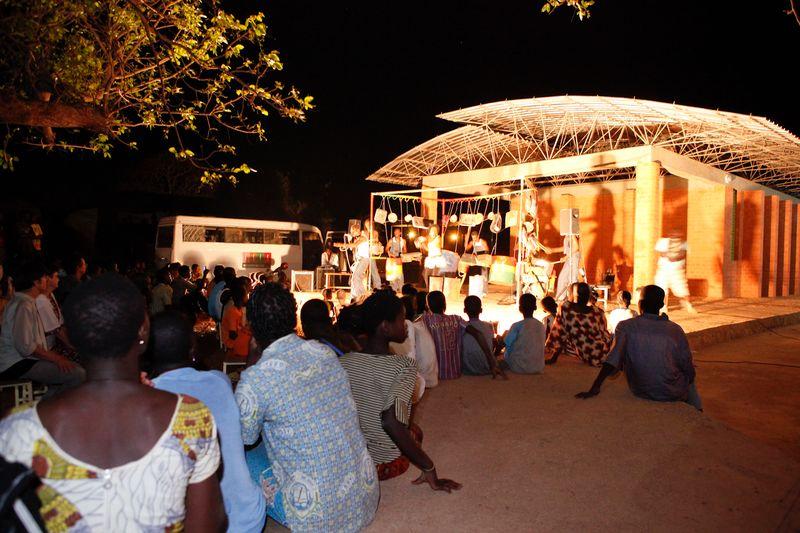 Web 042 Concert Kokondo_Zaz_ Operndorf Afrika, Burkina Faso, 2015 (c) Marie Köhler_18_04__1_
