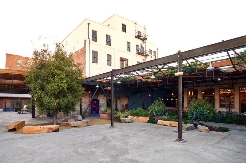 HWLA Courtyard 1