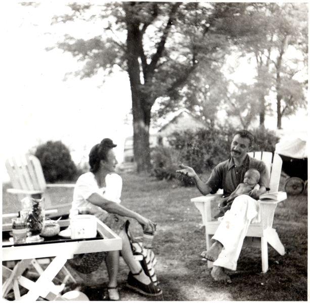 1943 G with Maro _ Essie