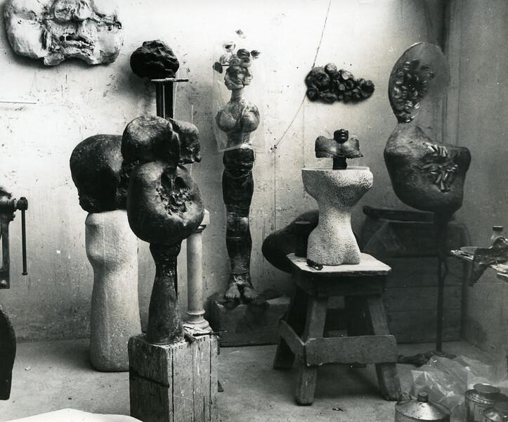 Photograph of Alina Szapocznikow studio in Malakoff, Malakoff, FR
